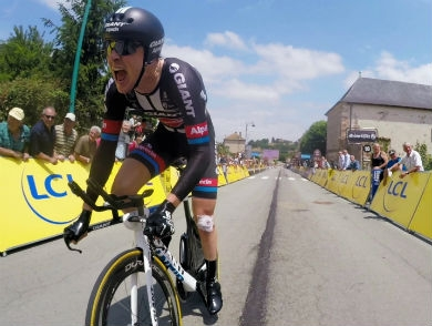 mj-390_294_see-what-the-tour-de-france-looks-like-on-a-gopro