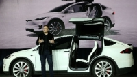 mj-390_294_teslas-new-suv-has-a-bioweapon-defense-mode
