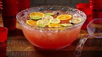 mj-390_294_the-10-best-cocktail-punch-recipes