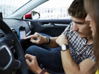 mj-390_294_the-10-best-in-car-apps-you-need-right-now