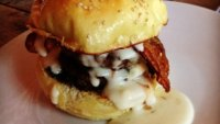 mj-390_294_the-18-best-burgers-in-the-country