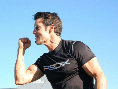 mj-390_294_the-5-fitness-commandments-from-the-creator-of-p90x