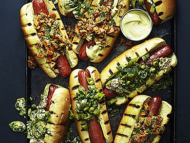 mj-390_294_the-answer-to-is-a-hot-dog-is-a-sandwich