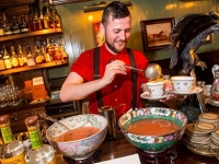 mj-390_294_the-best-bar-in-the-world-on-how-to-make-holiday-whiskey-punch