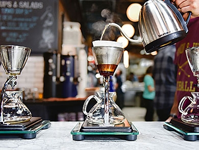 mj-390_294_the-best-coffee-shops-in-america-without-wifi