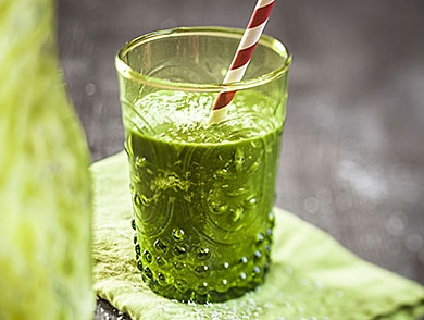 mj-390_294_the-best-green-juice-you-can-buy-in-a-bottle