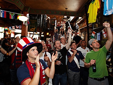 mj-390_294_the-best-world-cup-bars-in-america