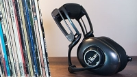 mj-390_294_the-big-headphones-with-an-even-bigger-sound