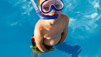 mj-390_294_the-center-for-disease-control-warns-dont-pee-in-the-pool