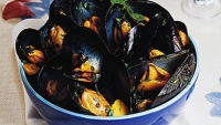 mj-390_294_the-easiest-way-to-cook-shellfish