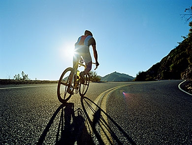 mj-390_294_the-essentials-5-must-have-items-for-a-long-bike-ride
