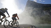 mj-390_294_the-essentials-5-must-have-items-for-mountain-biking