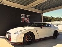 mj-390_294_the-impossibly-fast-nissan-gt-r-gets-even-more-impossibly-fast