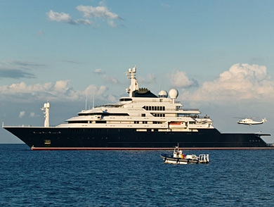 mj-390_294_the-worlds-most-luxurious-yachts