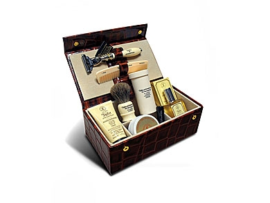 mj-390_294_travel-sized-grooming-essentials