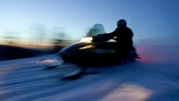 mj-390_294_two-nation-snowmobile-vacation