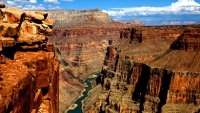 mj-390_294_uranium-mine-at-the-grand-canyon-gets-a-green-light