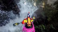 mj-390_294_watch-expert-kayaker-tackle-waterfalls-in-mexico