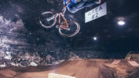 mj-390_294_watch-pro-cyclists-get-big-air-in-the-world-s-largest-indoor-bike-park