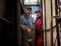 mj-390_294_watching-deadliest-catch-with-one-of-the-captains