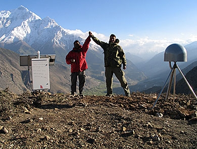 mj-390_294_what-geophysicists-discovered-about-the-nepal-earthquake