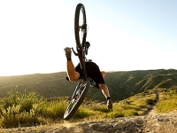 mj-390_294_what-to-do-when-you-crash-your-bike