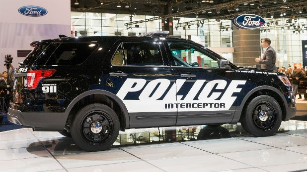 mj-618_348_2016-ford-police-interceptor-utility-chicago-auto-show