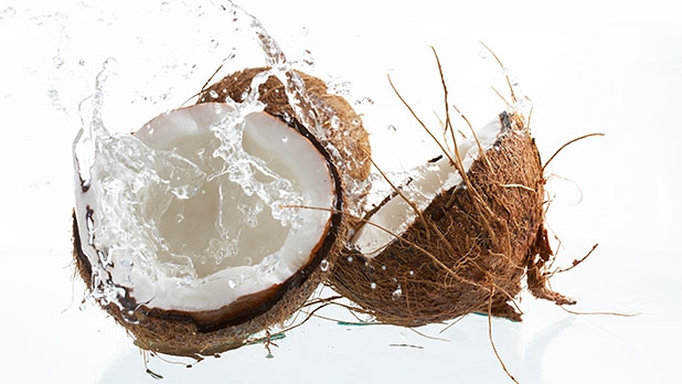 mj-618_348_6-foods-to-boost-your-bicycling-coconut-water