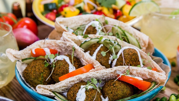 mj-618_348_6-inventive-ways-to-enjoy-falafel