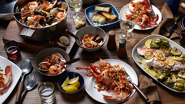 mj-618_348_a-seafood-feast-for-the-holidays