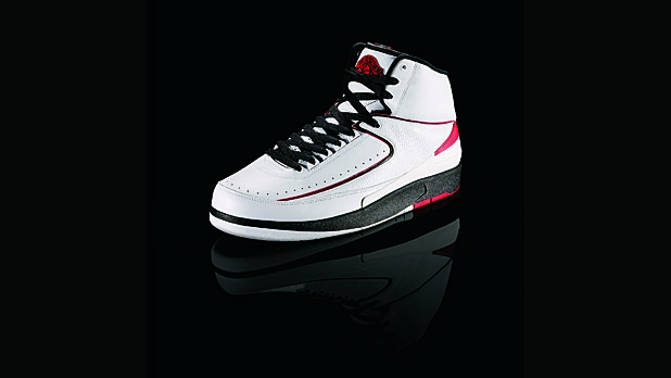0b50a3aa6a2 Who Reigns Between Jordan and LeBron  A Comparison of Nike Sneakers ...