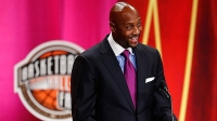 mj-618_348_alonzo-mourning-is-helping-redefine-strength