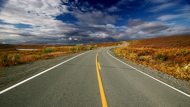 mj-618_348_americas-most-thrilling-roads-denali-highway-alaska