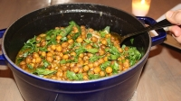 mj-618_348_apricot-chicken-tagine-with-crisped-chickpeas-5-easy-slow-cooker-meals-for-cold-weather