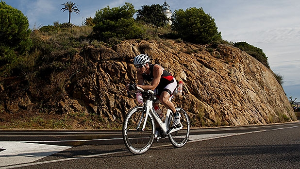 mj-618_348_bike-dont-overeat-ironman-tips
