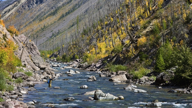 mj-618_348_blackfoot-river-the-17-best-places-to-fly-fish-in-montana