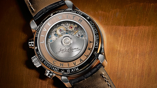 mj-618_348_bremont-holiday-tin