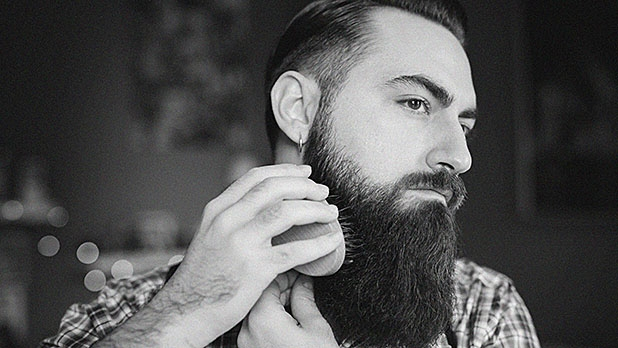 mj-618_348_brush-your-beard-the-only-grooming-tips-you-need