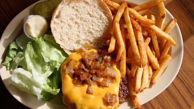 mj-618_348_chicagos-best-kept-secret-the-18-best-burgers-in-the-country