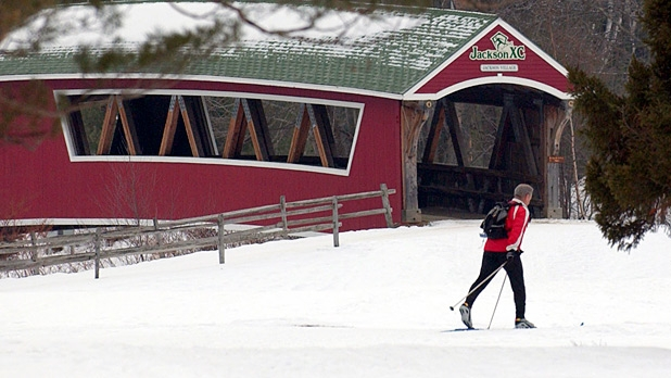 mj-618_348_cross-country-skiing-in-jackson-new-hampshire