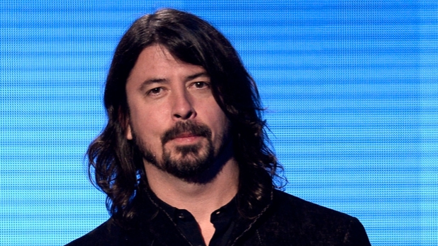 mj-618_348_dave-grohl-long-hairstyles-for-men