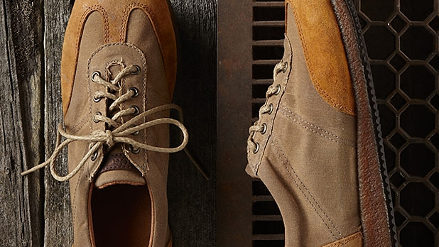 mj-618_348_decaged-trotter-best-fall-sneakers