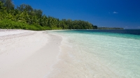 mj-618_348_desroches-island-the-top-20-most-adventurous-beaches-in-the-world