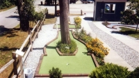 mj-618_348_dolphin-mini-golf-boothbay-maine-best-miniature-golf-courses-in-america
