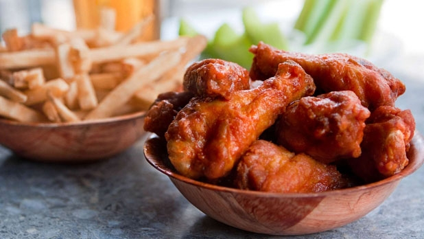 mj-618_348_duffs-famous-wings-amherst-ny-15-best-hot-wings-spots-in-the-u-s
