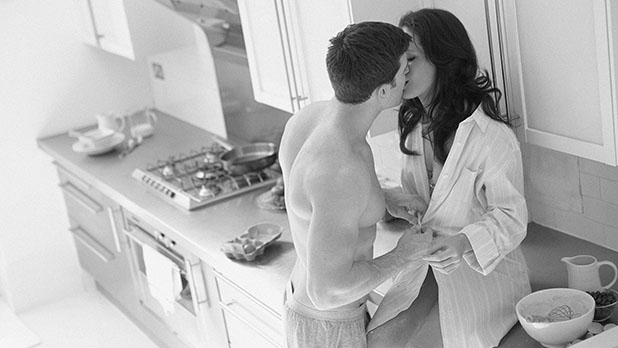 mj-618_348_eat-for-sex-10-tips-for-a-healthy-sex-life