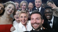 mj-618_348_ellen-takes-a-selfie-the-biggest-moments-in-consumer-electronics-in-2014