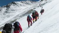 The long, dangerous rope line on Everest, May 2012