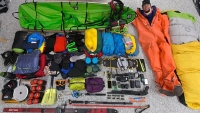 mj-618_348_extreme-gear-11-things-you-need-to-walk-to-the-north-pole