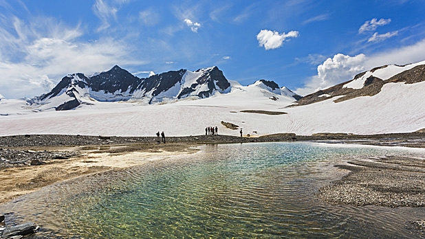 mj-618_348_extreme-hiking-in-canadas-wild-banff-british-columbia-eight-epic-trips-that-will-open-your-mind